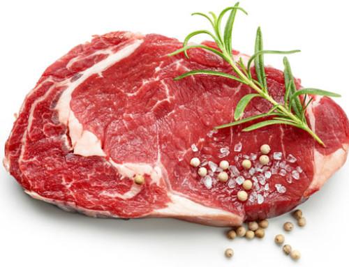 Dovremmo mangiare meno carne rossa? Un nuovo studio dice di no