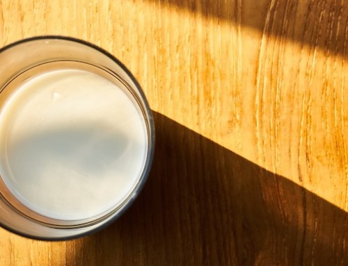 Digestione del lattosio nell'uomo: in individui con deficit di lattasi l'assunzione di lattosio con la dieta può migliorare i sintomi dell'intolleranza