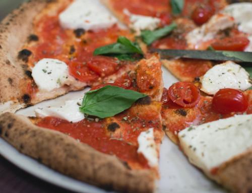 La mozzarella della pizza margherita