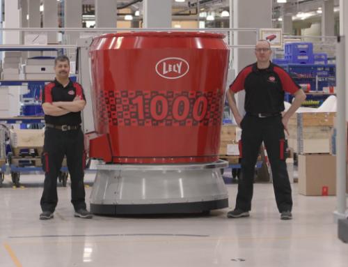 Lely produce il 1.000° sistema di alimentazione automatica Lely Vector